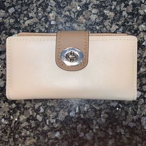 Authentic Coach Turnlock Leather Checkbook Wallet